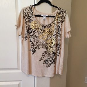 Leopard print tee with gold accents on print